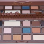 Paleta Semi-Sweet Chocolate Bar de Too Faced